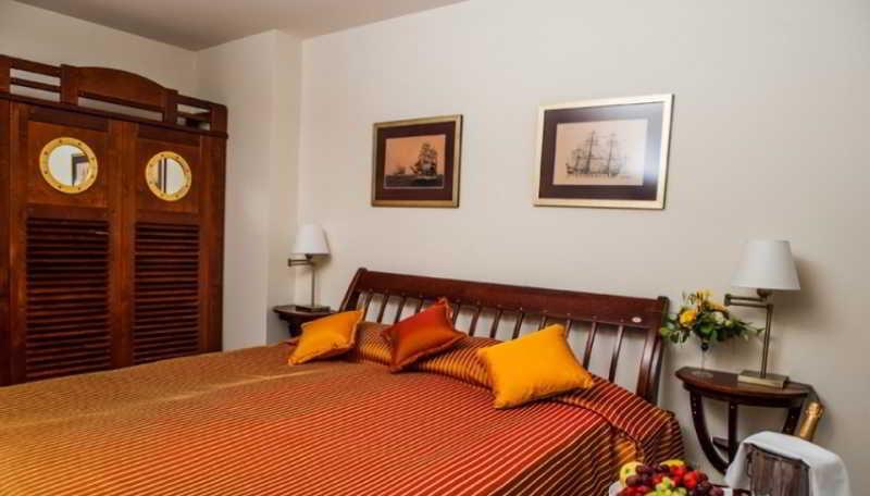 Port Hotel - Zimmer