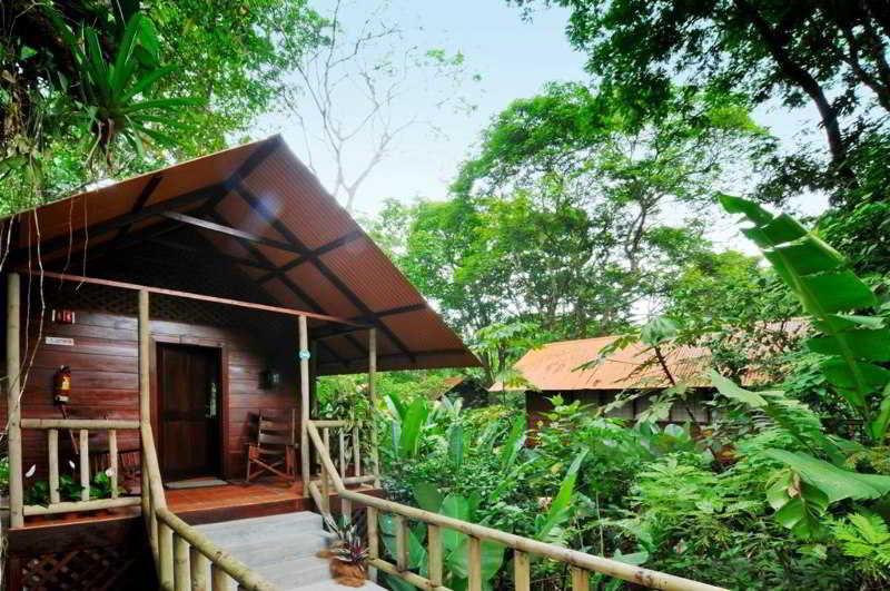 Aninga Lodge, Fte. Ala Laguna Principal…