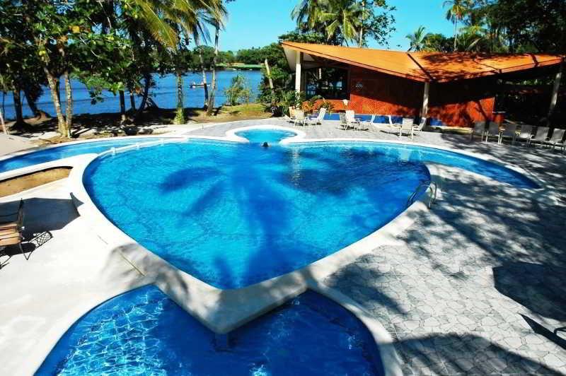 Aninga Lodge - Pool
