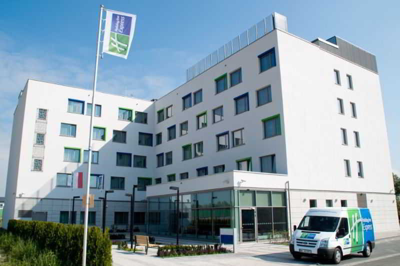 City Break Holiday Inn Express Warsaw Airport