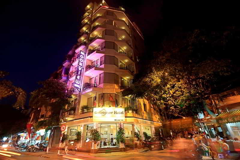Moon View Hotel Cua…, 65 Cua Bac, Ba Dinh District,