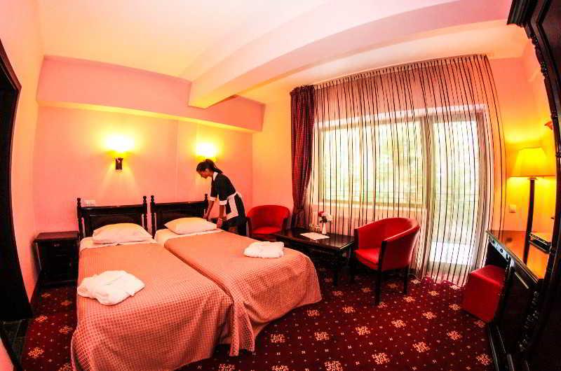 Bella Vista Hotel, 7 Izvoare Str,44