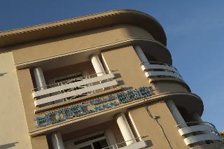 Hotel De La Baie, 62 Rue Marcon,