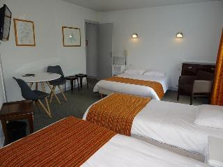 Brit Hotel La Croix…, 25 Route De Vannes,