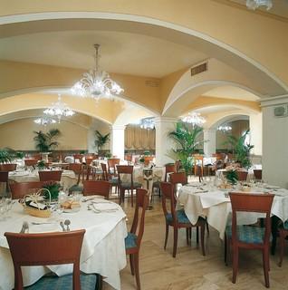Pisa Baptistery Hotels:BEST WESTERN Grand Htl Guinigi