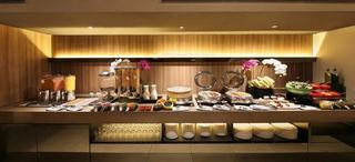 Pan Pacific Serviced Suites Beach Road - Restaurant