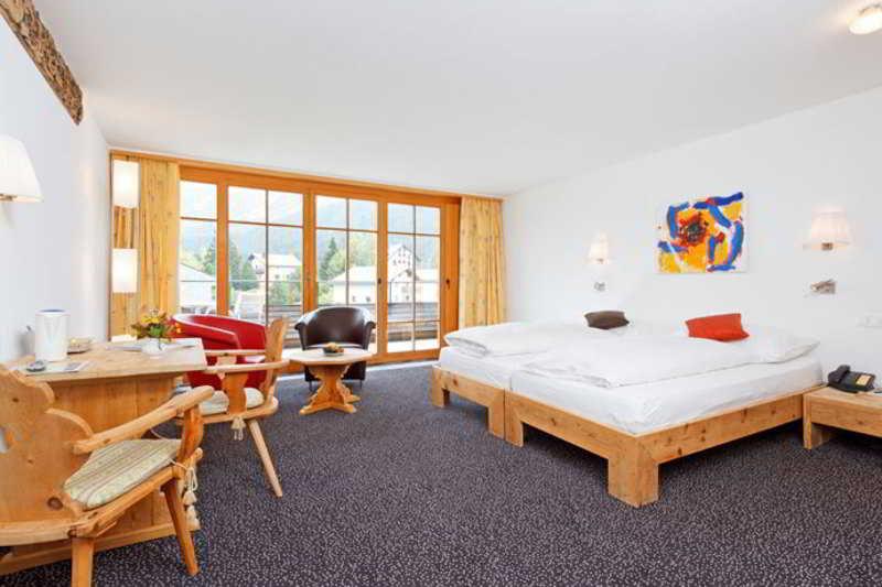 Schweizerhaus Swiss Quality Hotel - Zimmer