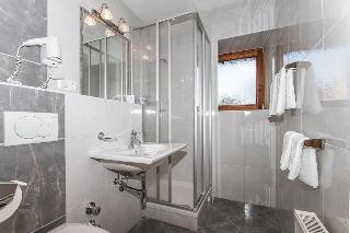 Hotel Huberhof, St  Georgweg 6,