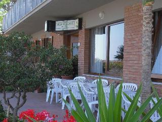 Hotel Villa Padulella, Viale Einaudi 1,