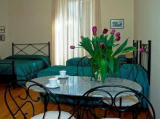 2 Vatican Suites Guesthouse