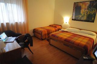 Hotel Principe, Viale Europa Unita 51,