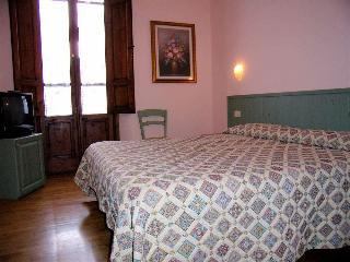 Hotel Savoia & Campana, Via Felice Cavallotti,10