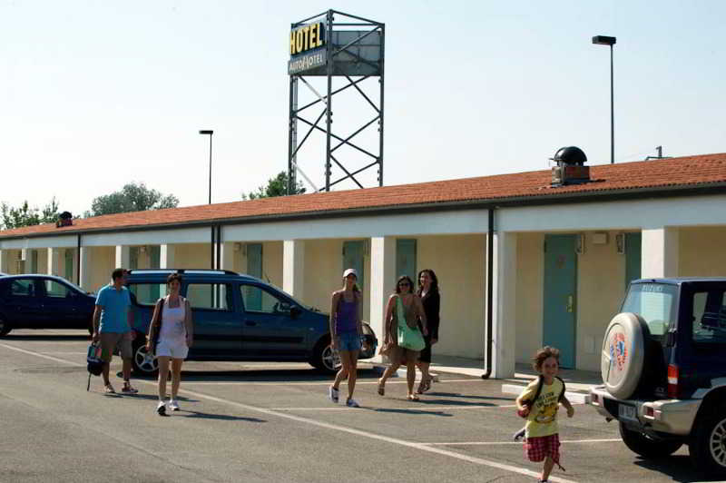 Autohotel Ravenna, Via Secondo Bini 11,