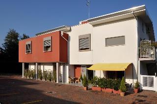 Hotel Mezzaluna, Via Zecchette 48,