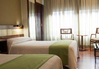 Hotel Madrid Bierzo, Avenida De La Puebla 44,