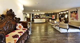Regal Hotel Residence, Viale Europa,2b 4 Y