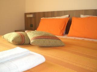 Hotel C25, Via G B  Cicogna 25,