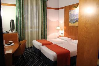 Hotel San Marco & Formula…, Via Emilia Ovest 42 Pontetaro,