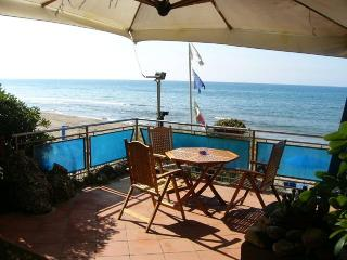 Villa Lo Scoglietto, Via Del Corallo 7,