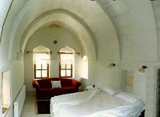 El Puente Cave Hotel