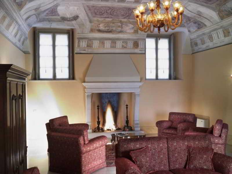 Villa Fenaroli Palace…, Via Mazzini ,14