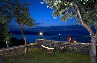 Villa Magemenou, Nikiana,