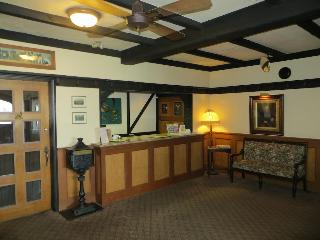 Quality Inn Waddling…, 2476 Mt. Newton Cross Roads,2476