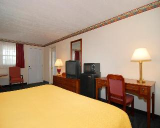 Quality Inn Breeze Manor, 16621 Lincoln Highway,