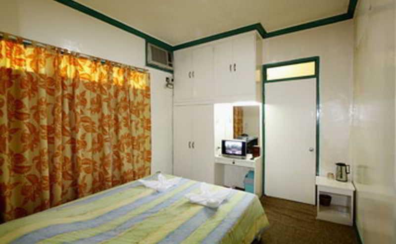 Villa Alzhun Tourist Inn & Restaurant - Zimmer