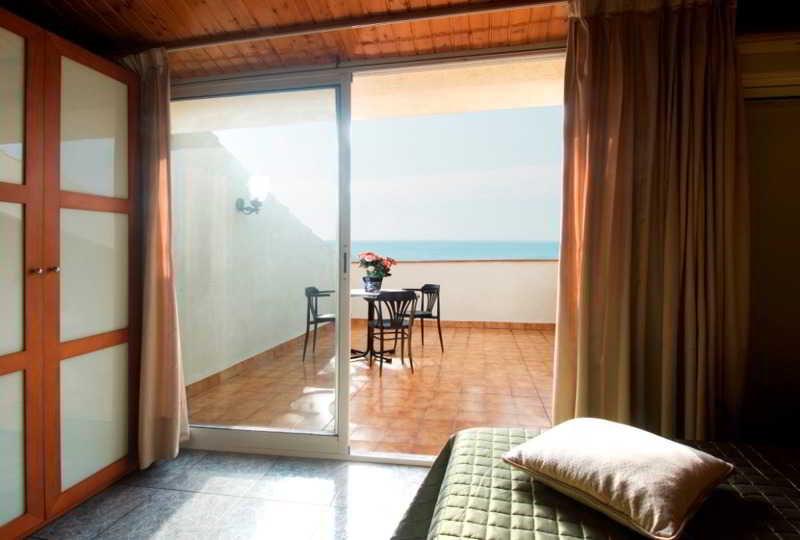 Vila De Premia Hotel