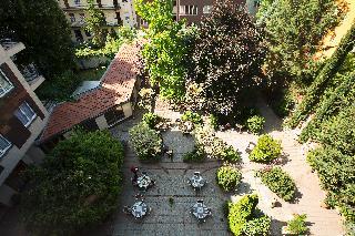Adina Apartment Hotel…, Hegedus Gyula Utca,52