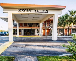 Quality Inn Florida…, S.e. 1st Ave., Us Hwy. #1,333