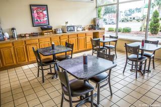 Rodeway Inn & Suites, 5025 Market Street,5025