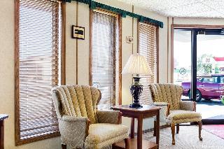 Econo Lodge, 804 Glenn Street,
