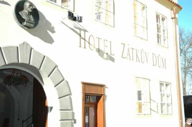 Hotel Zatkuv Dum, Krajinska,41