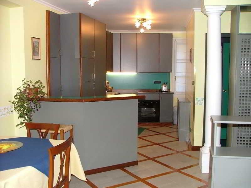 Residence Tynska, Tynska,13