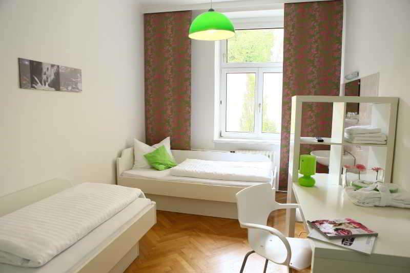Hostel & Guesthouse Kaiser 23 - Zimmer