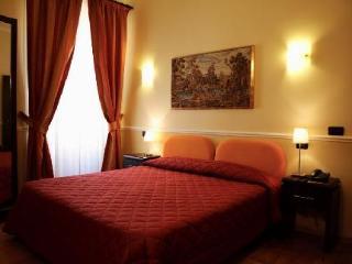 Everest Inn Rome