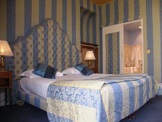 Grand Hotel Des Templiers, Rue Des Templiers,22