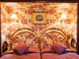 Hotel Saint - Germain Des Pres