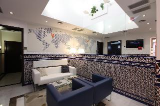 Alminar Hotel, C Alvarez Quintero 52,