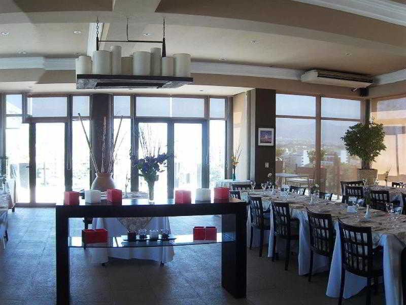 Premium Tower San Luis - Restaurant