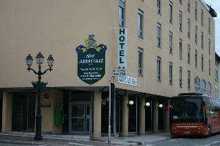Abbatiale Hotel, 8 Boulevard Gambetta,