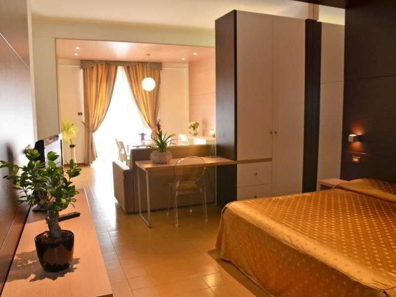 Grand Eurhotel, Viale Carlo Maresca 32,