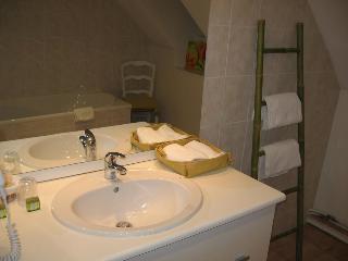 Hotel Villa Marjane, 121 Route De Sandillon 45650…