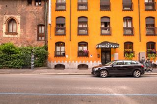 Ares Hotel Milano, Via Edoardo Porro,8