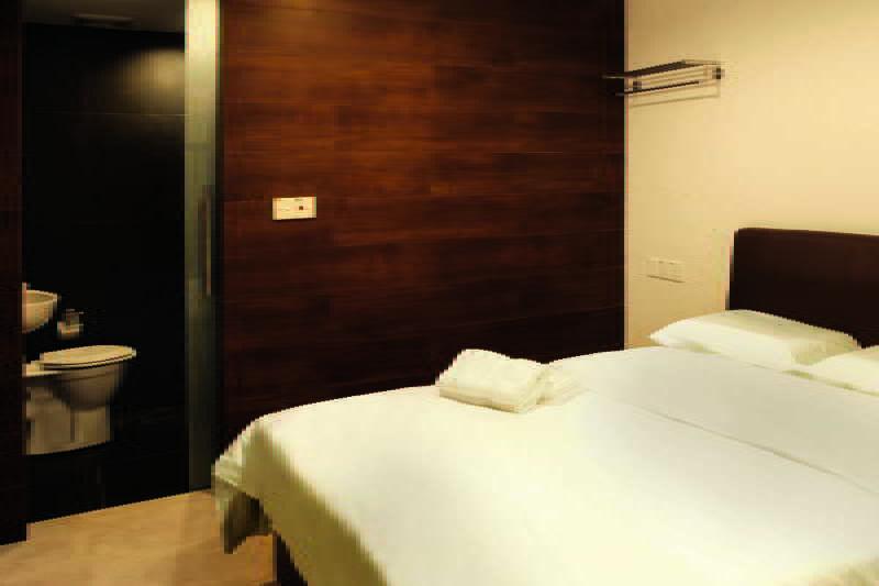 Day Cocoon Hotel - Zimmer
