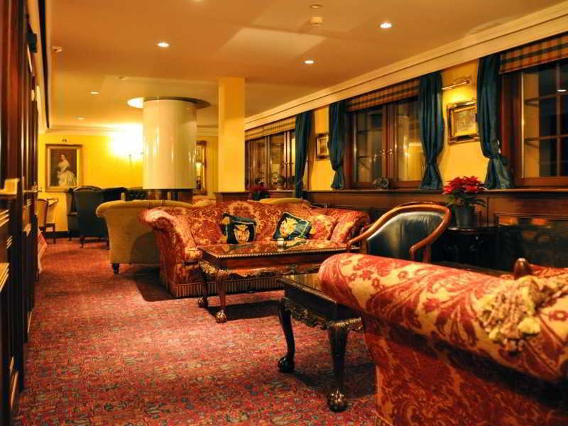 Hotel De La Paix, Rue Du Village 116,116