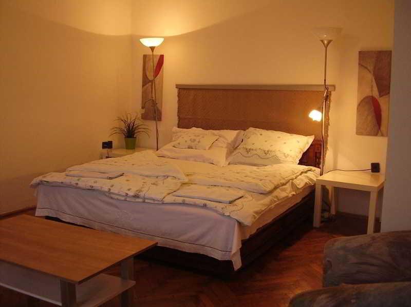 Vigado Square Apartment