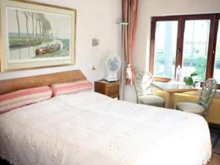 Le Coquin Bed And Breakfast